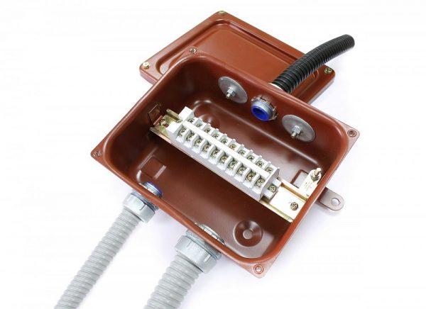 Клеммные коробки КСМР с муфтами МВ-М(РКн) (металлорукав-коробка)